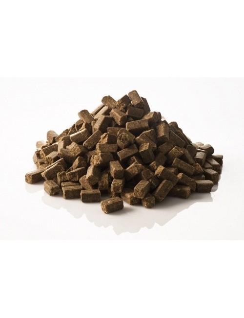 SemperCube de St Hippolyt son dados minerales para caballos de pasto, pienso reducido o solo heno